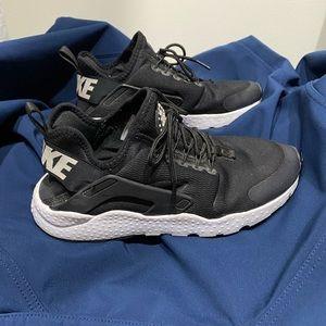 Nike Black Huarache
